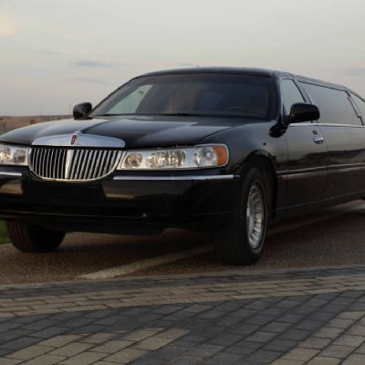 Lincoln 8 pax